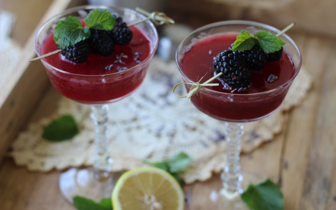 Gut-Healthy Lavender Blackberry Spritz